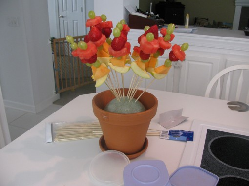 I used a cookie cutter to make flowers out of the watermelon...well...more like bumpy circles of watermelon.